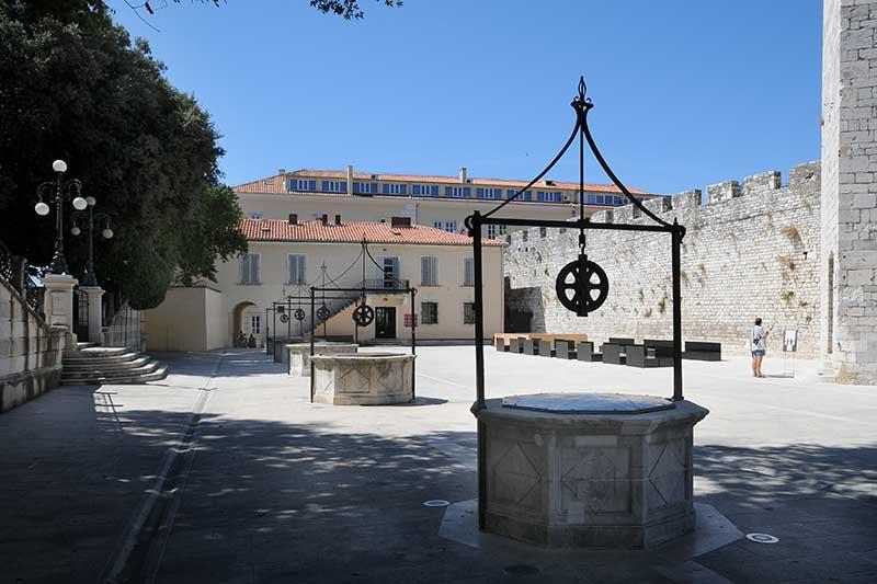 Cinco Pozos - Zadar