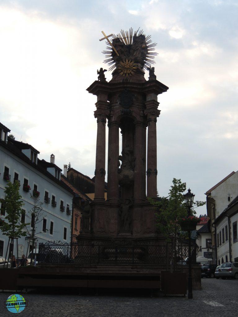 Banska-Stiavnica-Plaza de la Santa Trinidad