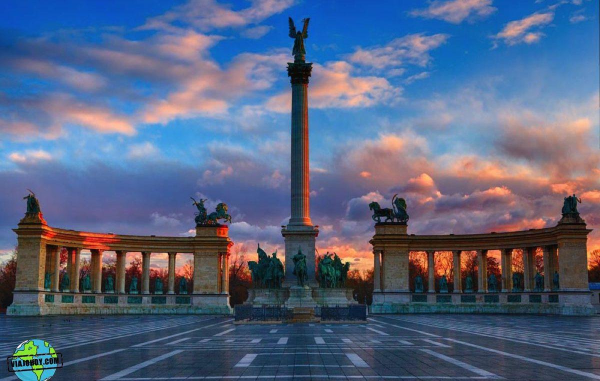 La Plaza de los héroes – Visita Budapest